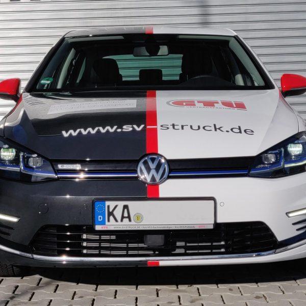 Fahrzeugteilfolierung mit Digitaldruckelementen aus Karlsruhe, Carwrapping, Carwrap, VW-EGolf, Fahrzeugfolierung Rheinstetten